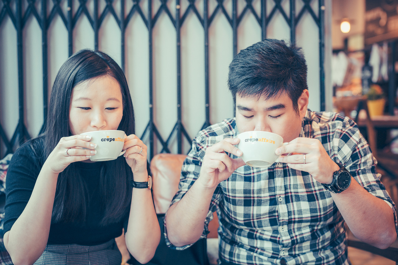 Cute Cafe Couple at Crepeaffaire Photoshoot at Islington – Xueling and Ivan
