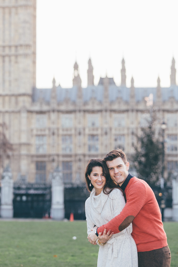 tourist-couple-photoshoot-at-london-landmarks10