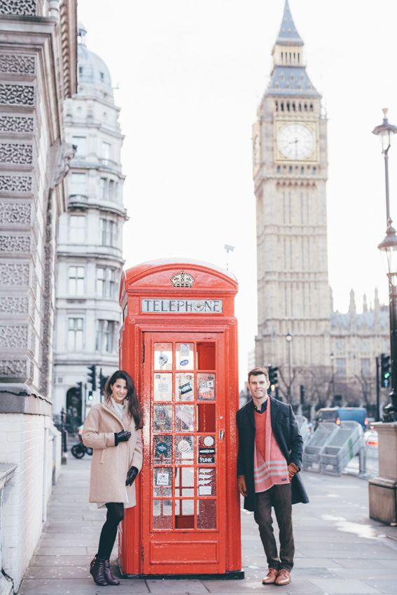 tourist-couple-photoshoot-at-london-landmarks4